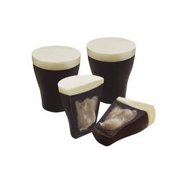 Guinness Guinness Miniature Chocolate Pints 65g Luxuriously Creamy 65g