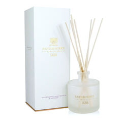 Rathborne  White Pepper, Honeysuckle and Vertivert Reed Diffuser 200ml Lasts for up to 16 weeks